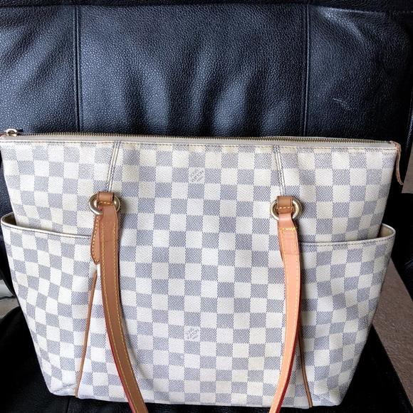 da8b9f04bd7c Louis Vuitton Handbags - LOUIS VUITTON DAMIER AZUR TOTALLY MM